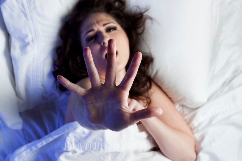 5 Signs That Indicate You May Have a Sleeping Disorder 6