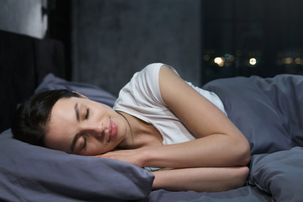 5 Helpful Tips to Stop Racing Thoughts Before Bed 3